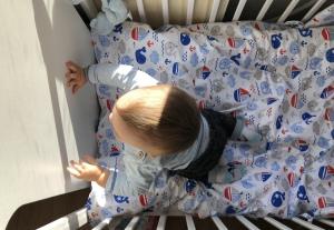 Pościel do łóżeczka dla niemowląt – jaka będzie najodpowiedniejsza i kiedy warto ją zakupić?